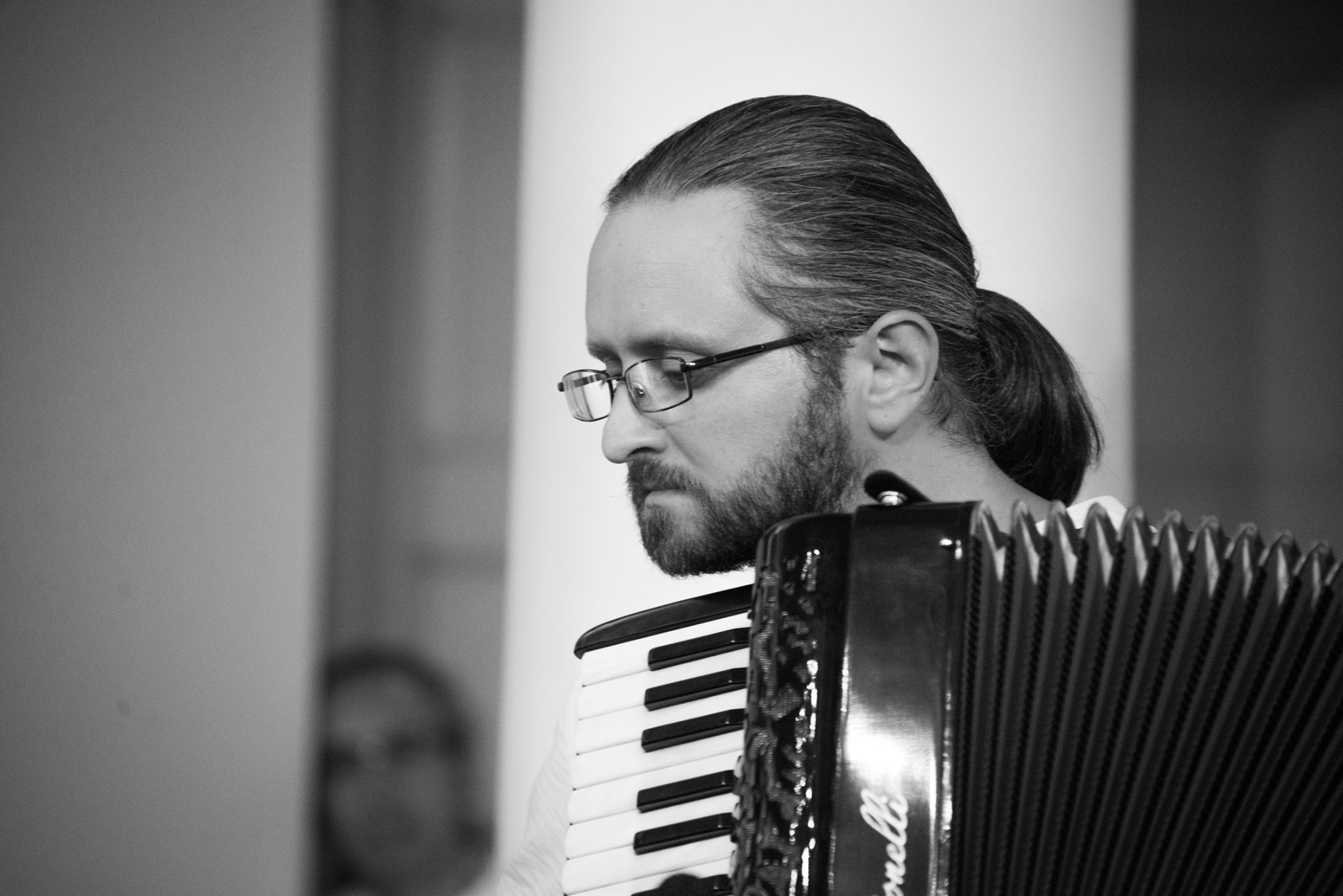 ilya-accordion_photo_YuliaKabakova